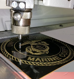 Make personalized USMC gifts with engraving, custom options, and exclusive gifts